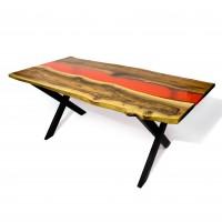 Обеденный стол из массива ореха