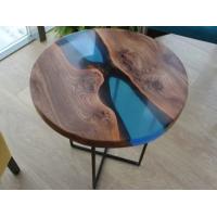 Кофейный столик из массива ореха